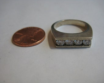 Clear CZ vintage sterling silver ring, size 8.5
