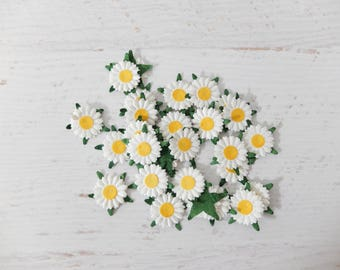 50 20mm paper daisies embellishment (2 layers) - 2 cm die cuts daisies mulberry paper flowers