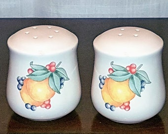 Vintage, CORNING, Corelle, Salt and Pepper shakers, Abundance pattern, apricots, berries, green leaves, vintage kitchen, china replacement