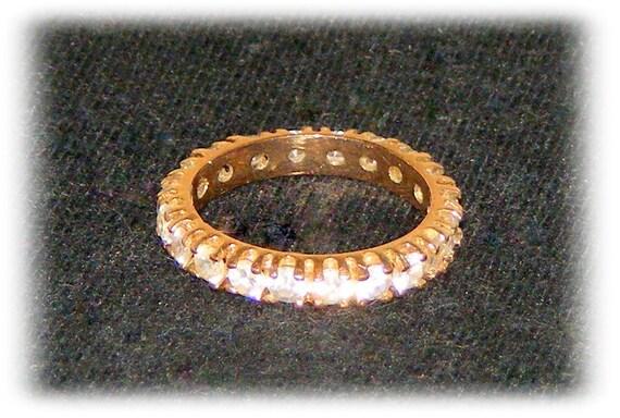 VINTAGE ETERNITY RING (Sz 6 1/2)   (Ladies Ring)