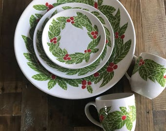 Sold out!Christmas set, holiday platters, red and green, 5 piece set