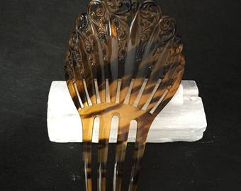 Victorian Style Vintage Tortoise Shell Color  With Black and Brown Large Hair Comb In Excellent Condition!