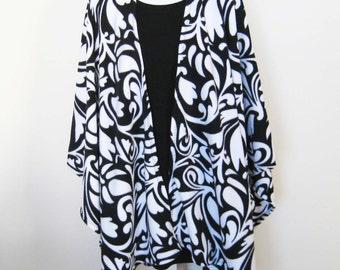 Fleece Cape Poncho - Black and White Large Shawl, Baby Wearing Wrap, Babywearing, Maternity Coat, Plus Size, Women Size
