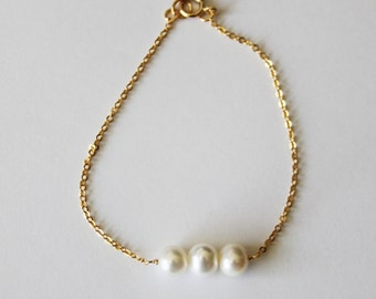 Real pearl gold bracelet, 14K gold fill pearl bracelet, Three pearl bracelet, Rose Gold bracelet, Bridesmaid bracelet, Gold bracelet, silver