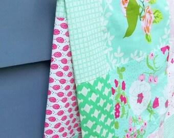 Heather Bailey UP PARASOL cot quilt