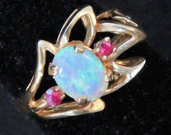 Estate 14K Solid Gold Oval Cabochon Opal 2 Rubies Ring .848 Carats Total Weight CTW 3.1 Grams Size 4 October July Birthstones Graduation
