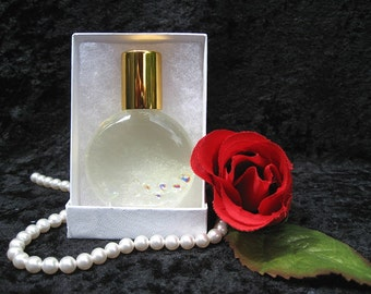 VANILLA PERFUME. Roll-on Perfume with Warm Vanilla Sugar, Amber, Rose, and White Musk. 15 ml.