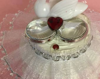 Wedding Swan Giveaway