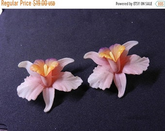 Spring Sale Vintage marked 126 Tulip Flower Earrings Clip On