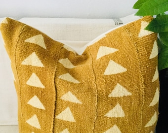 Mustard with white triangles Mudcloth