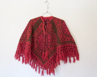 Bohemian Tapestry Poncho / Vintage 1970s Pullover Short Cape w/ Fringe