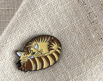 Sleepy Kitty Enamel Lapel Pin / Cat Lady Gift / Tabby Cat Lapel Pin / Flair Pin / Gift for Friend / Soft Enamel Pin / Cute Striped Kitty Pin