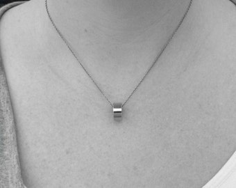 Stainless Steel Necklace for Woman, Simple Ring Pendant, Minimalist Jewelry, Non Tarnish Chain, Gift for BFF