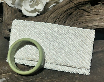 White beaded ming arts Hong Kong clutch from the 60's with green bangle bracelet/beaded clutch/art deco/bangles/plastic bangles/60's clutch