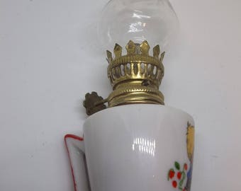 Red and white mini oil lamp