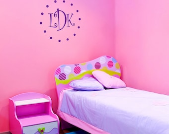 Curly Polkadot - Monogram - Wall Decals