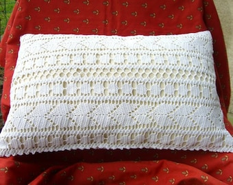 original White crochet 35/58cms + insert cushion