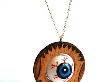 Weird Spinning Eye Ball Pendant Necklace