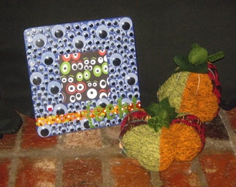 """Hand Painted Wooden HALLOWEEN Wiggly Eyes Picture Frame w/ Glitter Letters - """"EEK!"""" - SPOOKY!"""