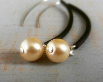 Glam black rubber earrings