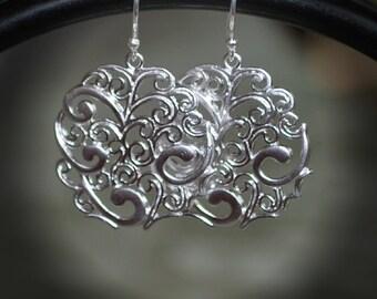 Silver Filigree Medallion Earrings/Matte Silver Filigree Earrings/Sterling Silver Earrings/Silver Hoop Earrings/Silver Medallion Earrings