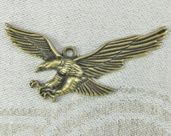 1 or 6, Eagle Charm, Eagle Pendant, Bald Eagle Head, Eagle Head Charm, Patriotic, Bald Eagle Charm, Bird Charm, Bronze Eagle Charm, ANM082BZ