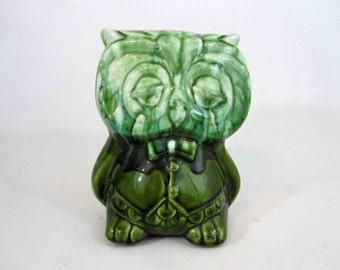 Vintage Green Ceramic Owl Planter by Art Craft. Circa 1960's.