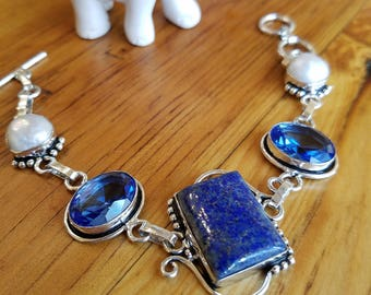 Blue Lapis Lazuli, Iolite and Biwa Pearl Bracelet