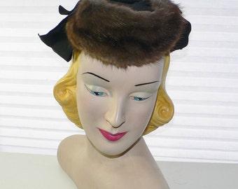1940's Tilt Hat with Mink Fur Trim