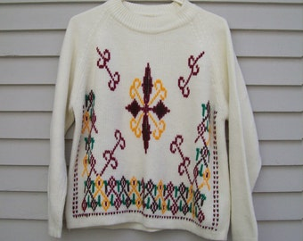 Vintage Embroidered Ski Lodge Sweater Small / Medium