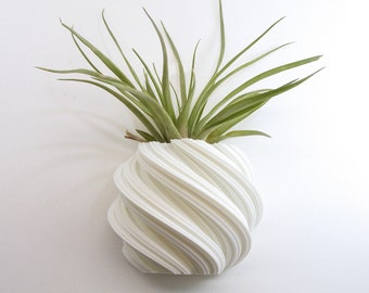 White Wall Planter Air Plant Holder Vertical Garden Indoor Planter Wall Mounted Geometric Plant Holder Flowing Planter For Wall