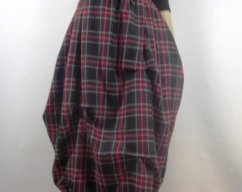 Lagenlook, fashion skirt, tartan plaid, balloon, punk,  plus size, winter. Sizes XS-XXL.  Free shipping in USA