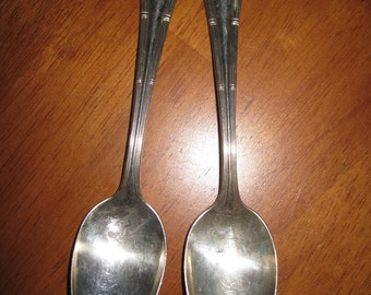 Vintage WM Rogers Bros AA plated spoons set of 2