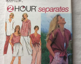 Vintage 1995 UNCUT New Simplicity 9518 Misses Extra Small (XS), Small, and Medium Tops, Shorts, and Pants Pattern