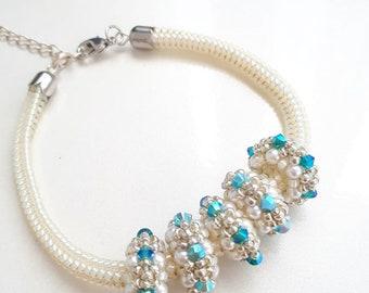 Beaded beads bracelet