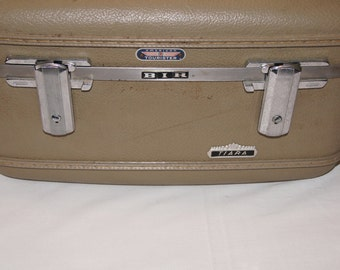 Vintage 1960's - American Tourister Train Case with Mirror
