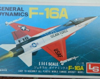 Model airplane USAF F-16 Fighting Falcon Fighter Jet  1/144 scale  kit Air Force Aircraft Military Aviation Cold War