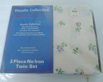 Twin sheet set, 3 pc new old stock floral pattern, original package, 1 fitted, 1 flat, 1 pillowcase, Original packaging, Vintage