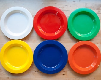 Mid Century Primary Colored Childrens Plates Medium (Set of 6)