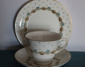Pretty Vintage Royal Doulton China Trio Tea Cup Saucer H 4864 Leaves & Polka Dot   In very good condition