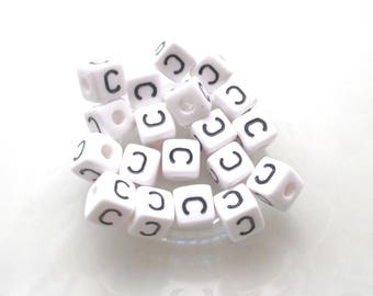 Alphabet beads 10 C 10 * 10mm acrylic