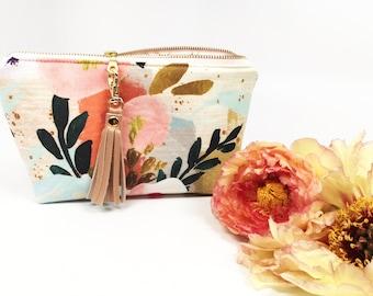 Essential Oil Bag, Essential Oil Case, Tassel Essential Oil Bag- holds up to 14 bottles, any brand! Clip on tassel included!