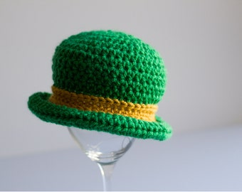 READY TO SHIP Baby Leprechaun Hat, Crochet Infant St Patty's Day Hat, Newborn Notre Dame Hat, Fighting Irish Toddler Bowler Hat, Photo Prop