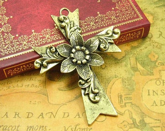 Cross pendant necklace antique
