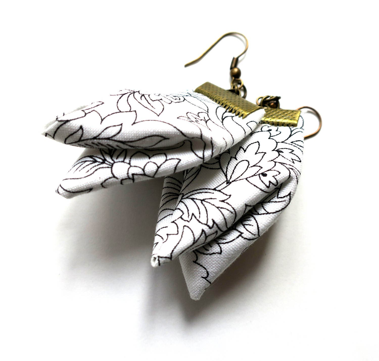 Zen fiber ear rings meditation white dangles japanese for Porte zen fiber