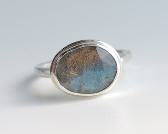 Labradorite Ring Sterling Silver Freeform Rose Cut Gemstone Blue Green Stone Bezel Set Statement Ring Size 7