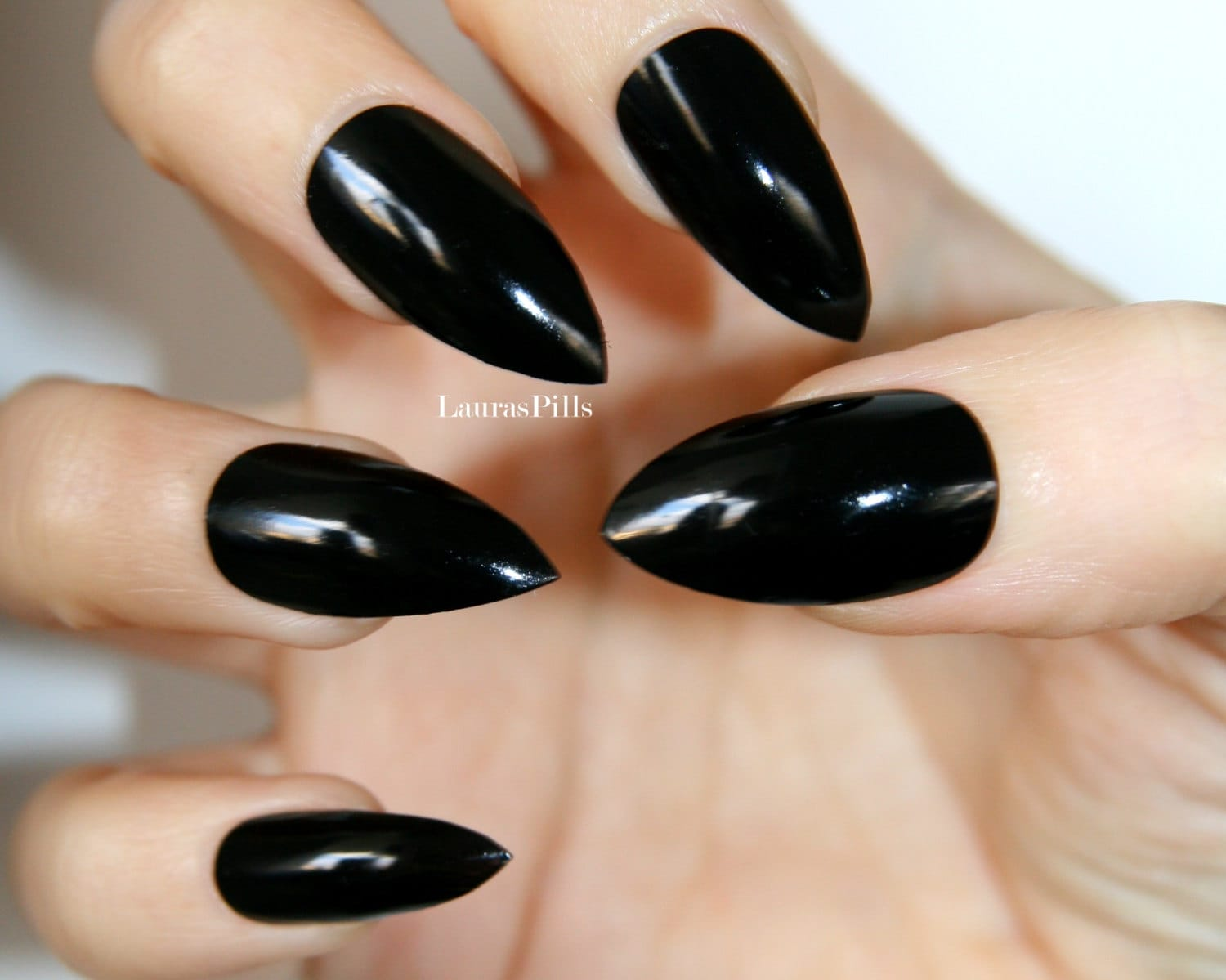 Black glossy stiletto press on nails