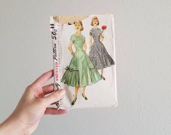 Vintage 1950's Dress Pattern Simplicity 1509  Size 12 Bust 30