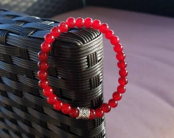 Simple Red Glass Beaded Elastic Bracelet