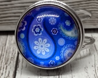 Blue & White Paisley Glass Cabochon Ring